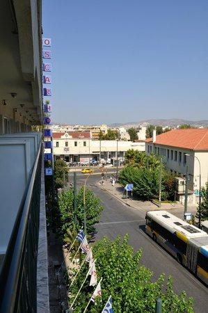 Oscar Hotel: Stazione metro e stazione treni