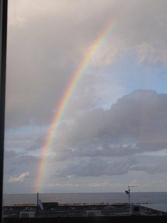 Hotel Constellation: un'arcobaleno esagerato!!