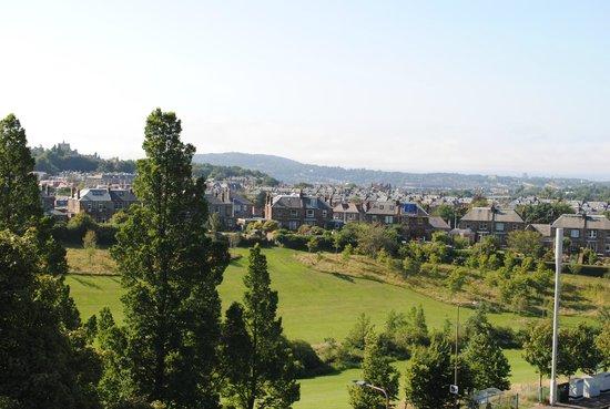Best Western Edinburgh South Braid Hills Hotel: Bedroom view