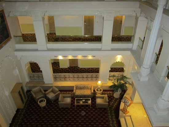 Sheraton Grand Pune Bund Garden Hotel: This hotel is at the very nice place for tour