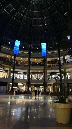 Centro Colombo : Indrukwekkend veel winkels