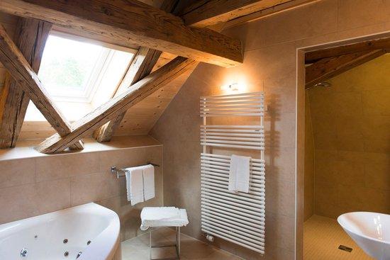 Petit Hotel de Chaumont : Bad