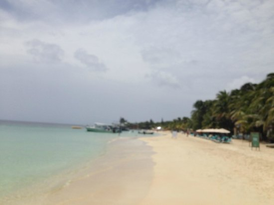 Infinity Bay Spa and Beach Resort: playa