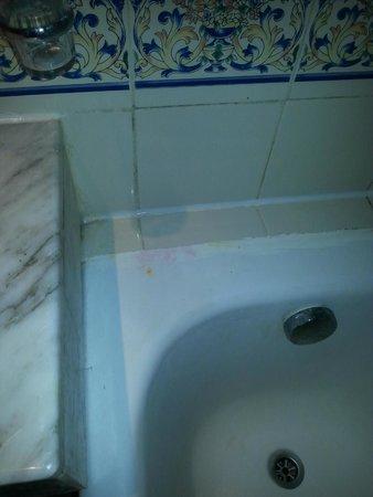 Isis Hotel and Spa : la douche de la chambre de complaisance