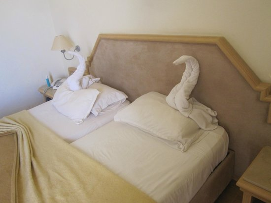 Hotel Isis Thalasso & Spa : Les lits faits dans les vraies chambres