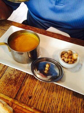 Deeson's British Restaurant: Broccoli soup