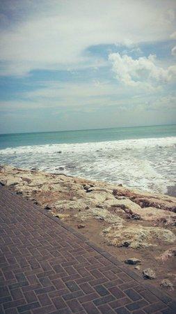 Legian Beach: Nice walk