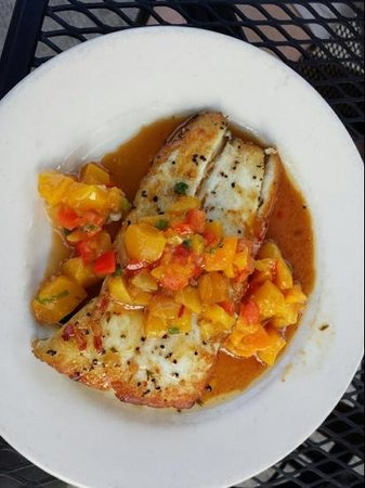 The Headkeeper: Pan-seared halibut with peach and red pepper salsa