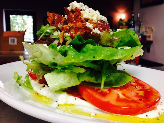 Tutto Bene: BLT with local tomatoes