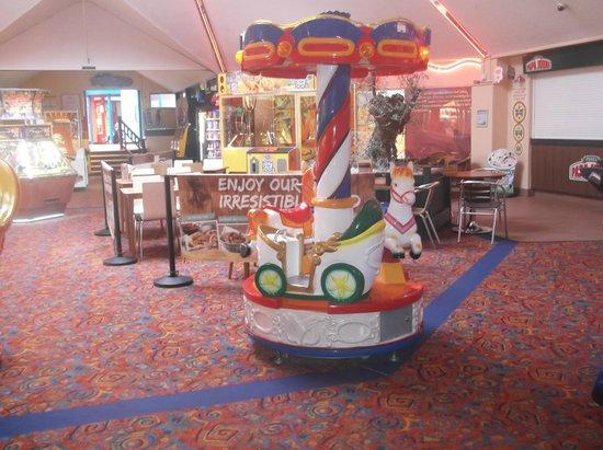 Hopton Holiday Park - Haven: Entertainment centre