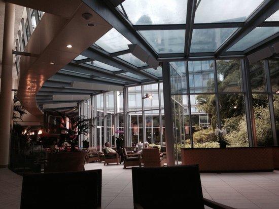 Hotel Alpha-Palmiers : Le Lobby / bar
