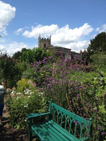 Coughton Court: Beautiful gardens