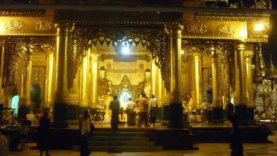 Pagode Shwedagon : Внутри