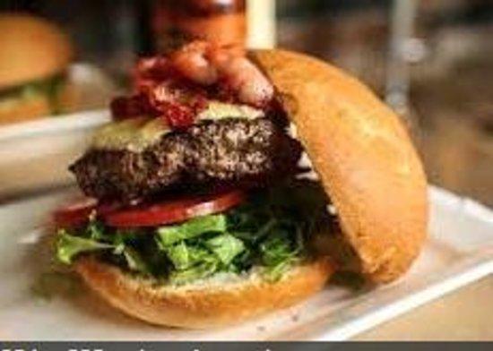 Norfolk Tap Room: Gourmet Burgers