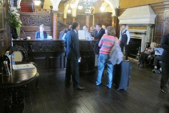 Grand Royale London Hyde Park: Reception and Lobby Area