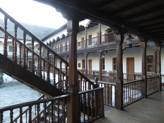 Manuc's Inn (Hanul lui Manuc): The Upper Walkway