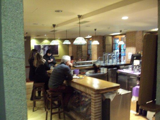 Bierzo Plaza : Bar-cafetería.