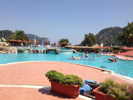 Marti Resort de Luxe : One of the pools