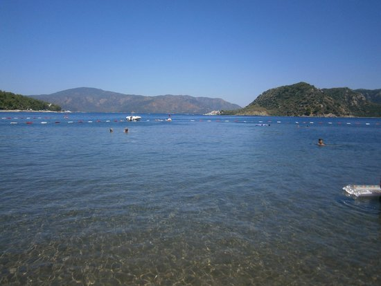 Marti Resort de Luxe : View from beach