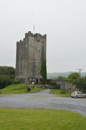 Dysert O'Dea Castle and Archaeology Centre: Dysert O'Dea Castle