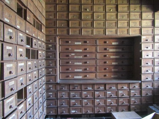 Hardwick Hall and Gardens : The audit room