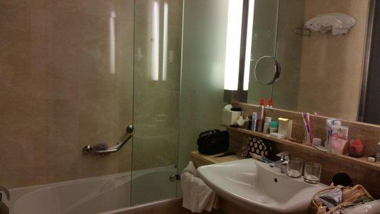 IFA Faro Hotel: łazienka