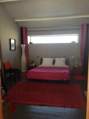 Le Poteau Rose : Bedroom