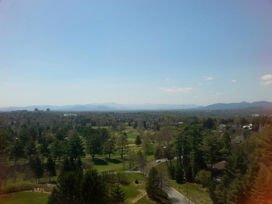 The Omni Grove Park Inn: The view from the Blue Ridge Room