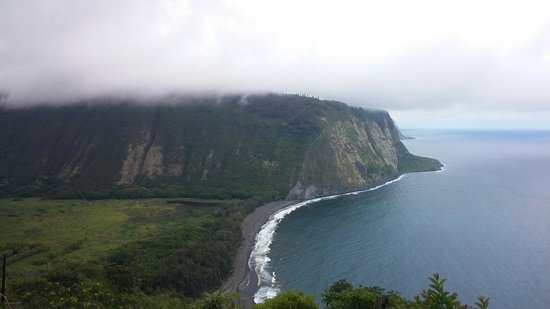 Waipi'o Valley: View from the cliffs