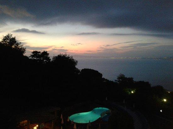 Grand Hotel Hermitage & Villa Romita: Vue du soir