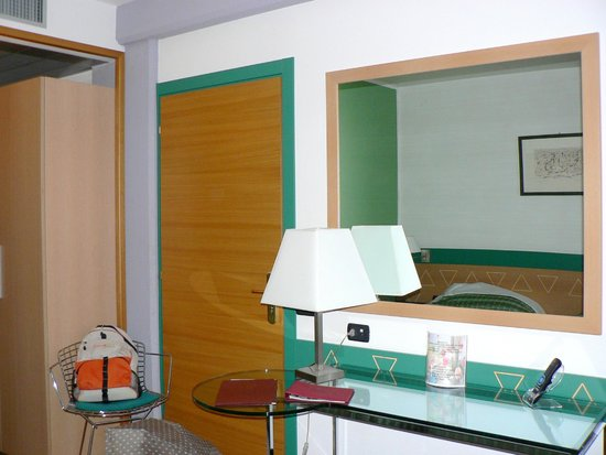 West Point Hotel: Room 113