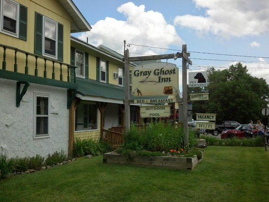 Gray Ghost Inn : Pet Friendly!