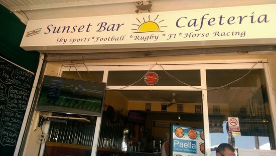 Sunset Bar : A few pints and a little flutter on the gee-gee's