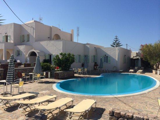 Babis Hotel : Piscina