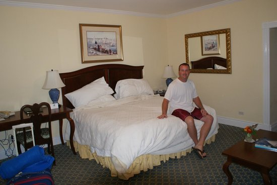 Royal Palms Hotel: Our hotel room.