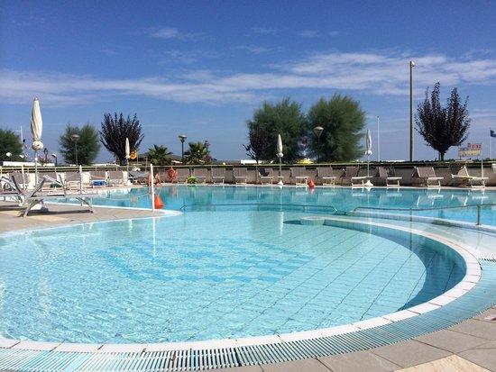 Miramare Hotel & Spa: Piscina!