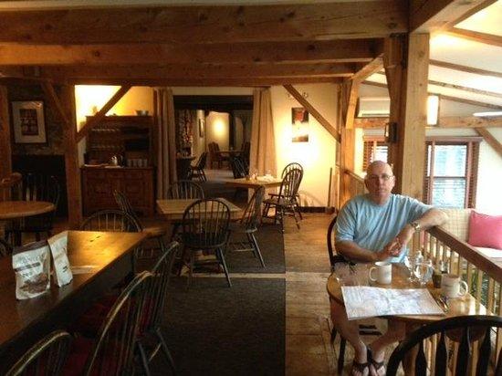 The Inn at Weathersfield: Tavern Dining