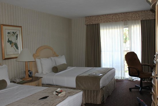 Crowne Plaza Hotel San Diego - Mission Valley: Two queens #6137