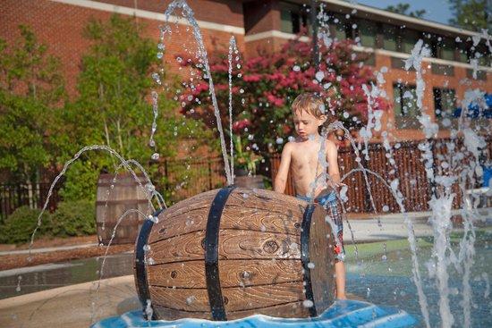 Woodlands Hotel & Suites - Colonial Williamsburg: Splash Pad