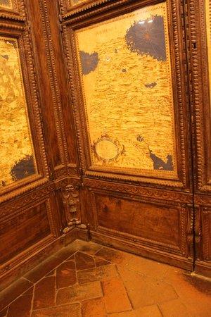 Museo di Palazzo Vecchio : Im Sala Carte Geografiche - Geheimtür