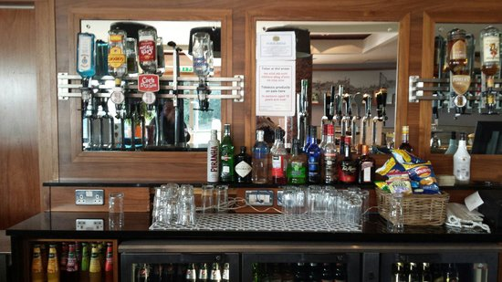 The Killeshin Hotel: The bar