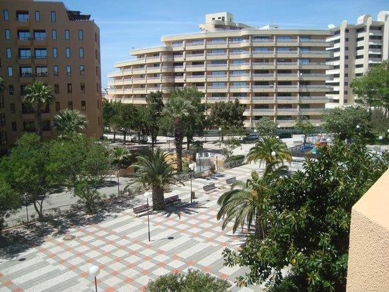 Dom Pedro Portobelo: vista da praça da janela do hotel