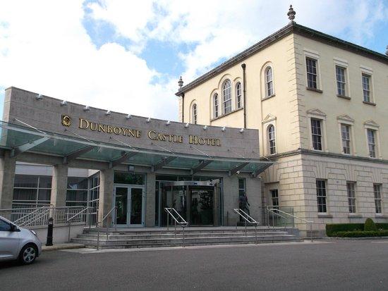Dunboyne Castle Hotel And Spa: Dunboyne Castle Entrance