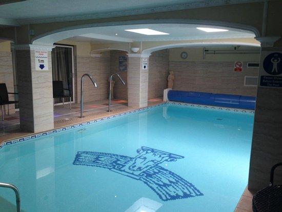 Atlantic Hotel: Pool.