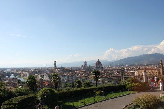 Esplanade Michel-Ange (Piazzale Michelangelo) : Ausblick über Florenz