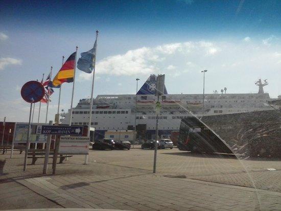 SS Rotterdam: The ship