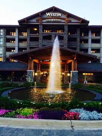 Westin Bear Mountain Victoria Golf Resort & Spa: Main entrance