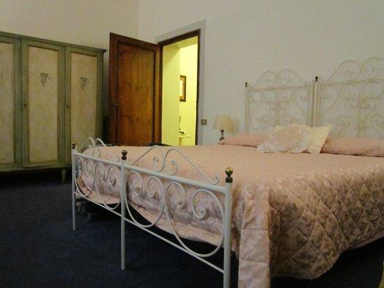 Novella House: Habitación amplia
