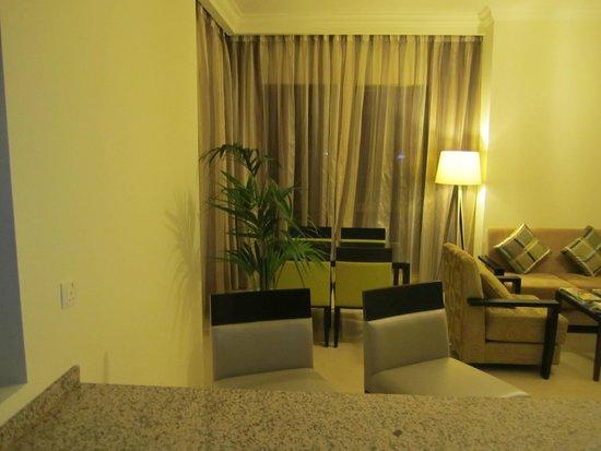 The Ajman Palace Hotel: Гостинная