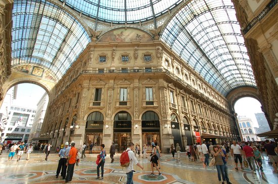Corso Vittorio Emanuele II: Not only for shopping!